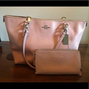 Coach tote bags